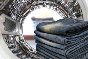 washing dark clothes