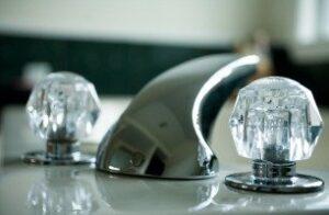 clean faucet handles