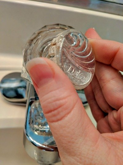 removing end cap from faucet