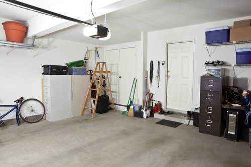 things to declutter in the garage