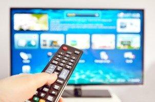 clean a tv screen